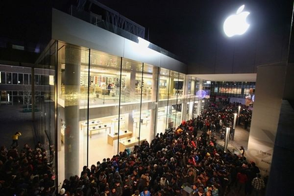 High iPhone Record Breaking Sales Black Friday 2015