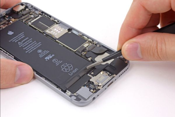 Replace Battery on iPhone to Fix Boot Loop