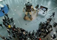 Control Fighting Robot Kuratas Using iPhone | Photos