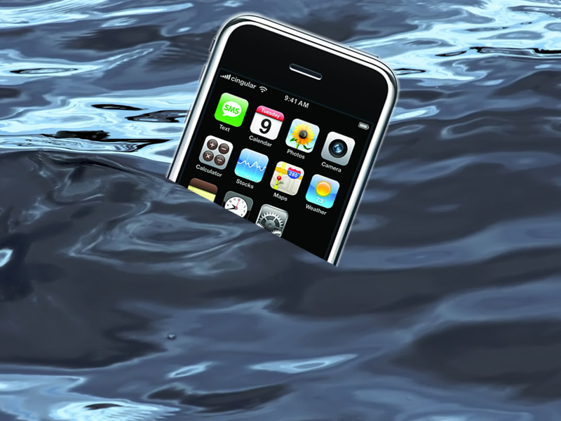 How to fix a water damaged iphone 4s lets unlock iphone for Dropped iphone in swimming pool